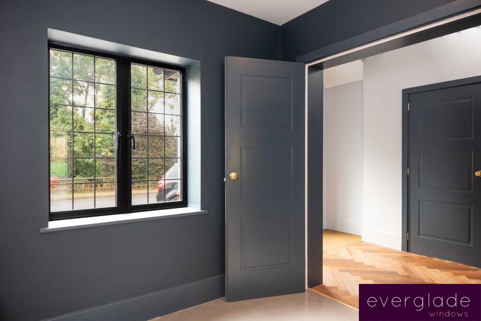 Black aluminium windows Edgeware