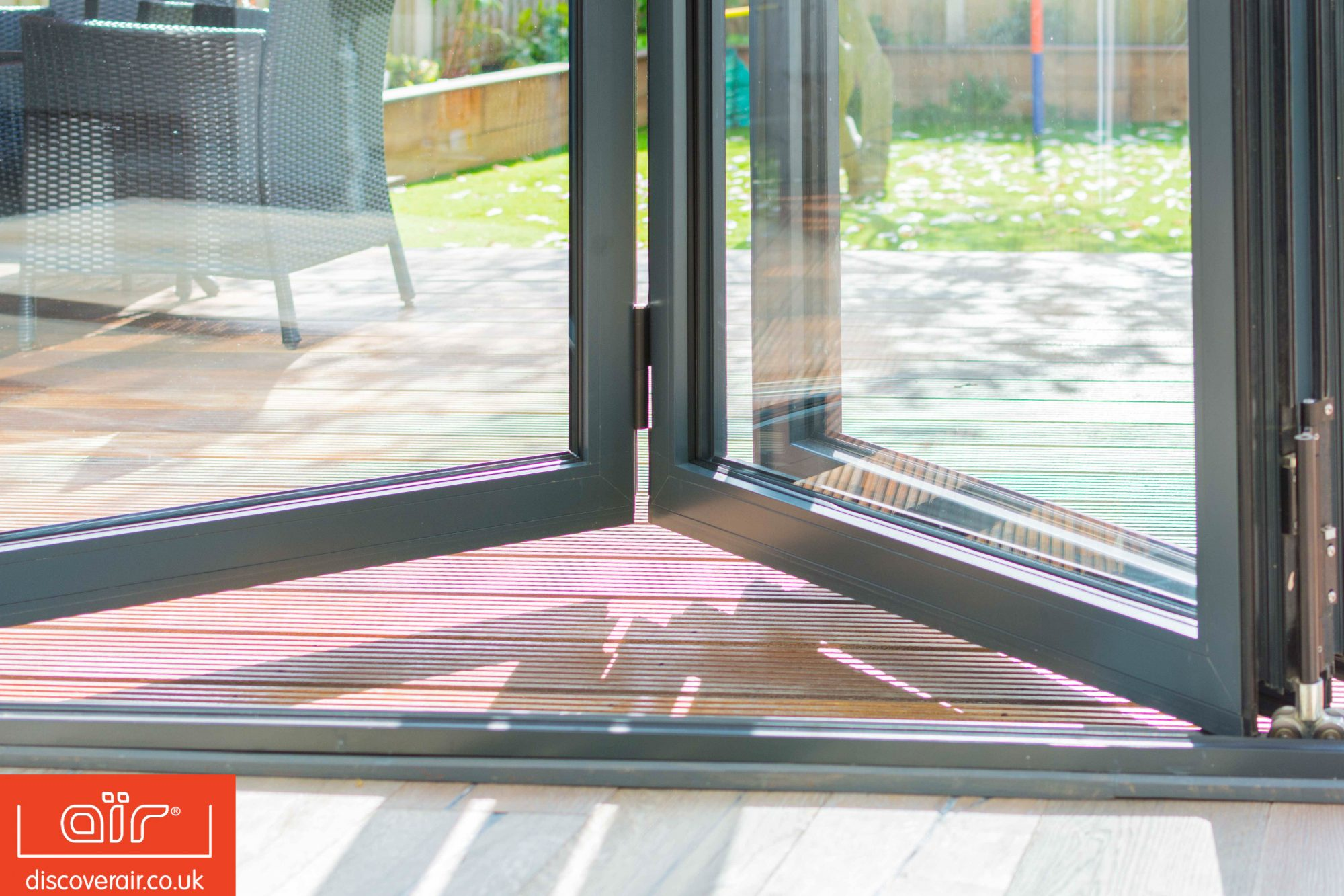 air-800-bifold-doors-smooth-airglide-technology-Brent