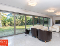 air-bifold-doors-everglade-windows-chelsea